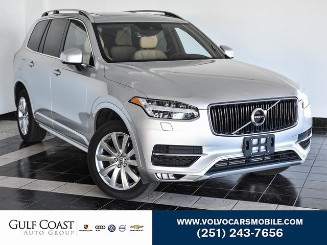Pre-Owned 2018 Volvo XC90 T6 Momentum